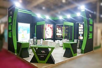 غرفه شرکت تولیدی ساینا پلیمر - نمایشگاه بین المللی تهران - سازه های نمایشگاهی